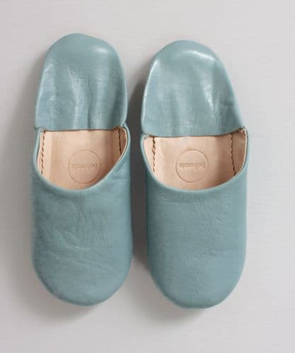 Moroccan Plain Babouche Slippers in Pearl Grey
