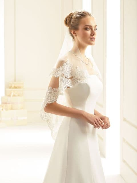 Bianco Evento S243 Double Tier Lace Edged Veil
