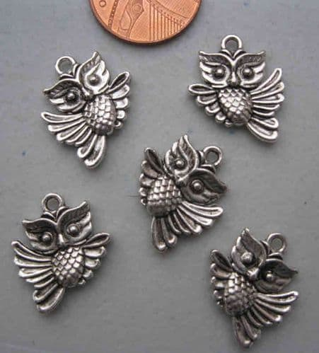 Owl in Flight Charms (Pack of 5)