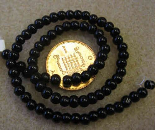 Round Glass Beads - 4mm - Approx 80 beads - Black