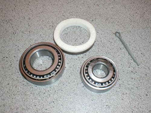FRONT WHEEL BEARING KIT SPITFIRE & HERALD GHK1021