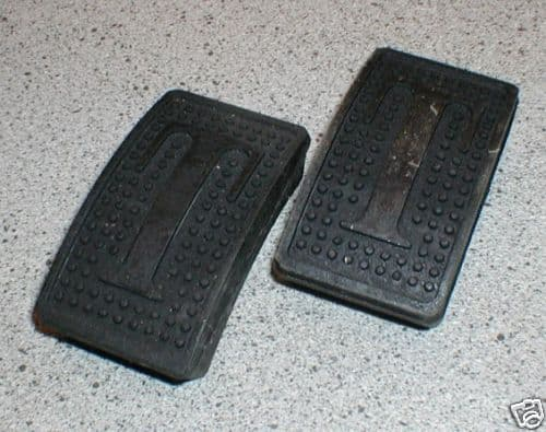 PEDAL PAD RUBBERS SPITFIRE MK 1 - 3 HERALD / VITESSE 122289