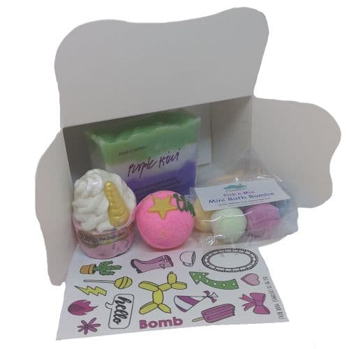 Bath Bomb & Soap Pamper Gift Box | Clouds Online
