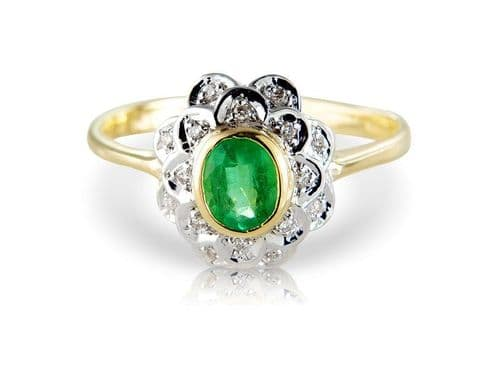 Oval Cluster Ring Green Emerald And Diamond Yellow Gold