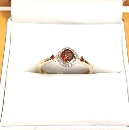 Red Brown Garnet And Diamond Yellow Gold Cluster Ring