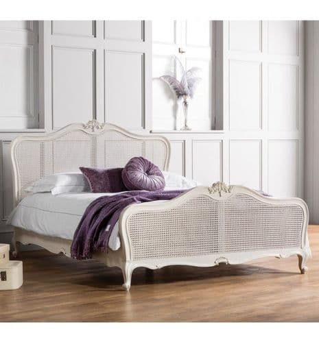 Chic Rattan Bed in Vanilla White
