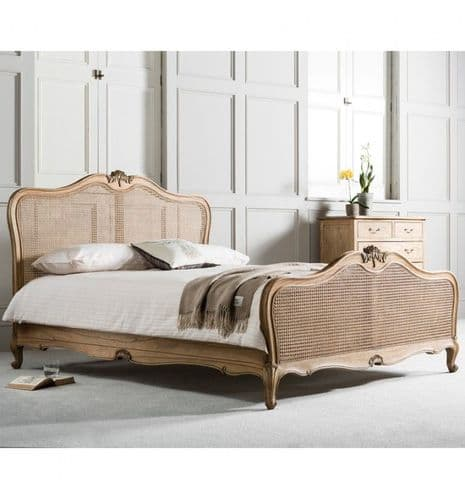 Chic Rattan Bed Weathered Finish