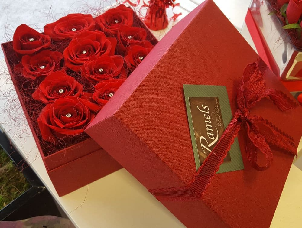 Freeze dried roses in box
