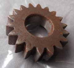 Moto Guzzi V35 V50 3rd Gear Pinion (Primary Shaft) z=18t GU19211420