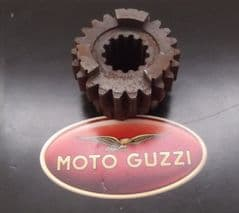 Moto Guzzi V35 V50 4th Gear Pinion (Primary Shaft) z=22t GU19211820