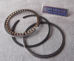 Peugeot V-Clic Piston Ring Set PE759180