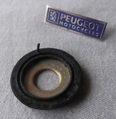 Peugeot XPS / XR6 Rear Suspension Pivot Seal PE754459